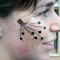 Medir emociones por medio de expresiones faciales será la tarea de este tatuaje electrónico