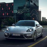 El Porsche Panamera Turbo S E-Hybrid es híbrido, pero también el más rápido de los Panamera