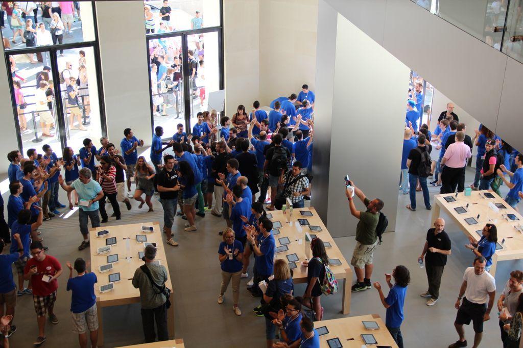 Foto de Inauguración de la Apple Store del paseo de Gracia (19/27)