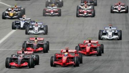 Kimi Raikkonen ve un duelo Ferrari-McLaren por el título de 2008