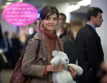 Katie Holmes se lame las heridas como todas las demás: ¡a base de helado!