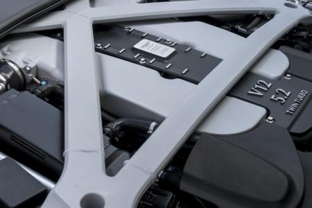 Aston Martin DB11 motor V12