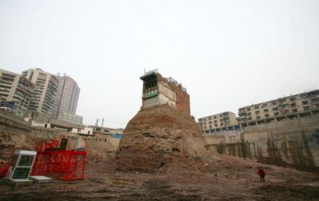 Así son las impresionantes casas-clavo, símbolos de resistencia contra la economía china