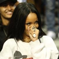 Las sudaderas hip hoperas son para Rihanna (y para el otoño)