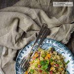 Ensalada de quinoa, calabaza asada y granada. Receta vegetariana