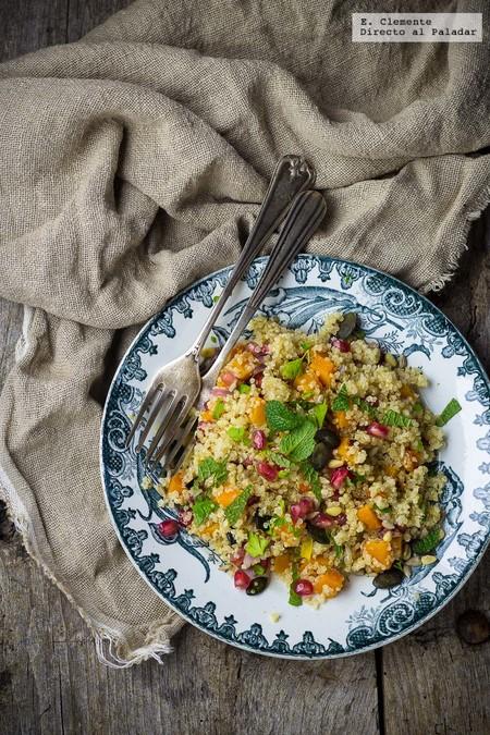 Ensalada de quinoa, calabaza asada y granada. Receta vegana