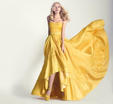 feb1f0a39 15 vestidos largos con falda de volumen para ir de boda