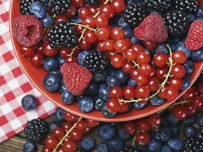 Todo sobre los polifenoles: su poder cosmético, sobre la salud y cómo incluirlos en la dieta