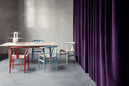 La primavera llega en forma de color a las sillas de Hans J. Wegner