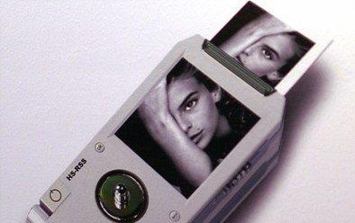 Teléfono móvil con cámara de fotos Polaroid