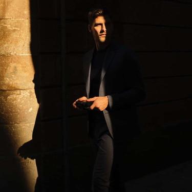 On the Go: la editorial más urbana y elegante de Massimo Dutti con la que soñamos el regreso a la oficina