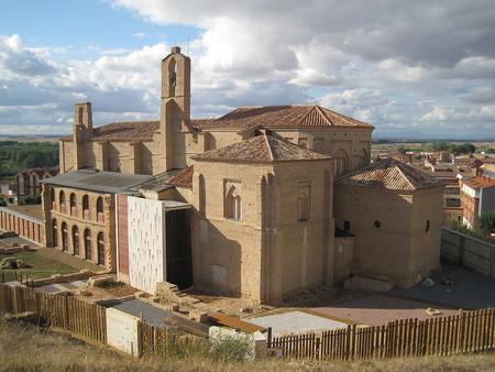 1024px Iglesia De La Peregrina