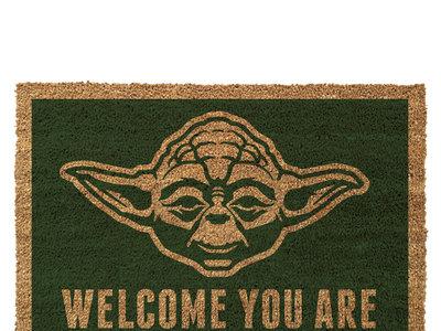 """Felpudo Star Wars """"Yoda: Welcome You Are"""" a su precio más bajo en Amazon: 13,93 euros"""