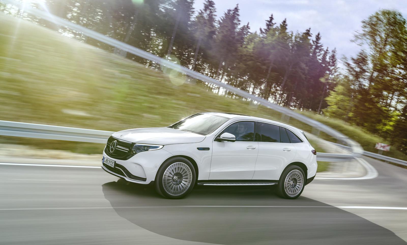 Foto de Mercedes-Benz EQC 2019 (18/74)