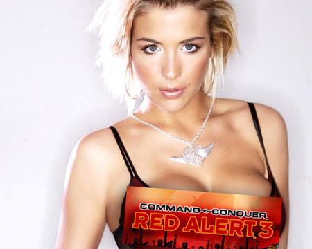 Ésta es Gemma Atkinson, la Lt. Eva Mckenna en 'Red Alert 3'