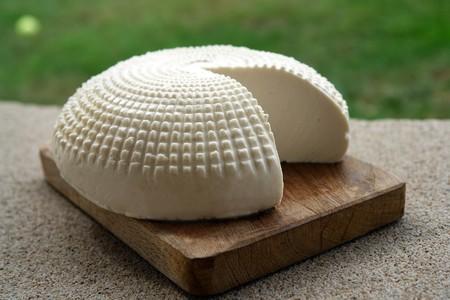 El ministerio de Sanidad retira tres quesos del mercado contaminados por 'Listeria', un peligroso patógeno