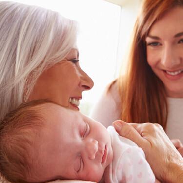 """""""Gracias mamá por estar a mi lado y ser la mejor abuela para tus nietos siempre"""": un pequeño homenaje en el Día de los Abuelos"""