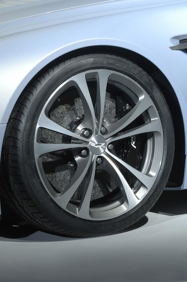 Foto de Aston Martin V12 Vantage RS (9/29)