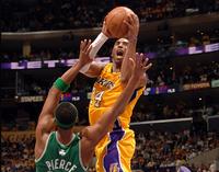 Cuatro anuncia la NBA pero no la emite
