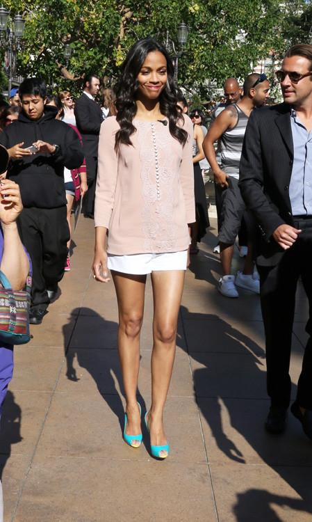 Dolce Zoe Saldana look moda