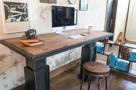 XDesk Vintage, una gama de escritorios con sistema de elevación y puertos de conexión integrados