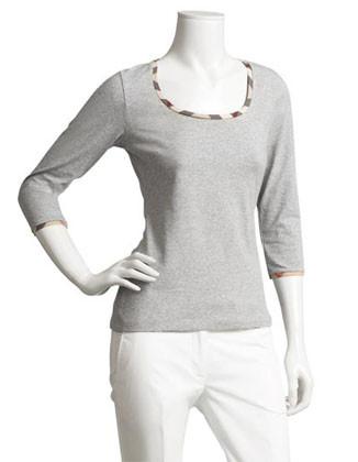 Tres camisetas indispensables en cualquier ropero femenino