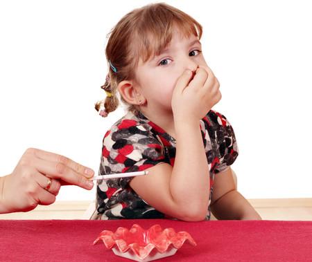 Cuatro de cada diez niños ingresados por una crisis asmática son fumadores pasivos y sus síntomas son más graves, según un estudio