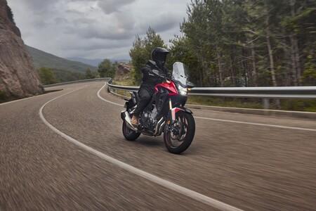 ¡Hola, Honda CB500X! La trail para el carnet A2 estrena suspensiones mejoradas y menos peso