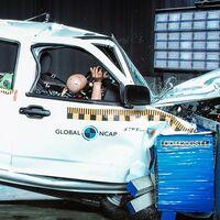 Los fabricantes siguen vendiendo coches sin airbags y de cero estrellas en África: el último, una pick-up de Great Wall