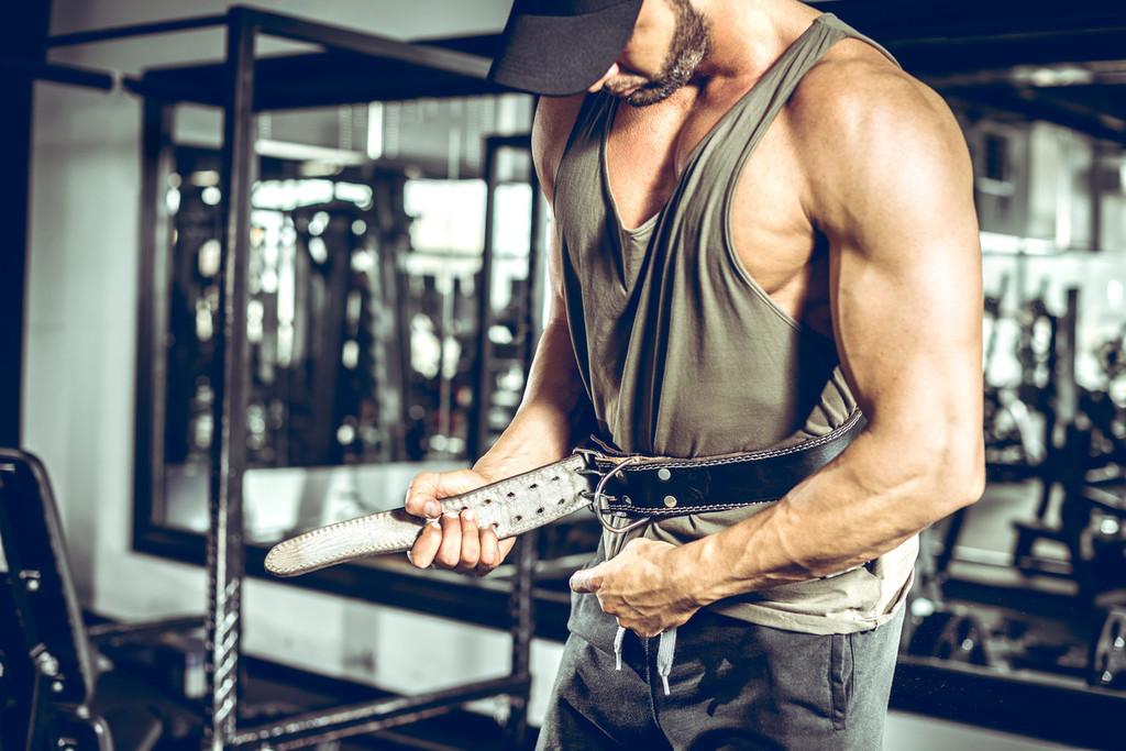 Las claves de entrenamiento que necesitas para ponerte en forma este curso entrenando en casa o en el gimnasio