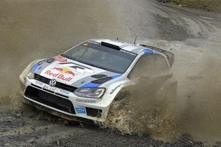 Rally de Gales 2013: Sébastien Ogier amplía su ventaja