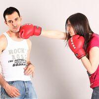 El abuso psicológico y la violencia contra los hombres por parte de las mujeres a menudo se toma con menos seriedad que al revés