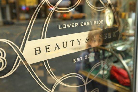 Foto de Beauty & Essex (9/15)