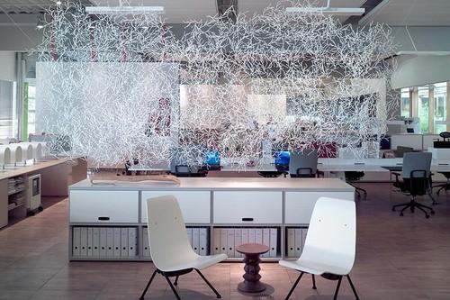 Algas diseñadas en plástico, la forma más simple para decorar escenarios interesantes y conceptuales