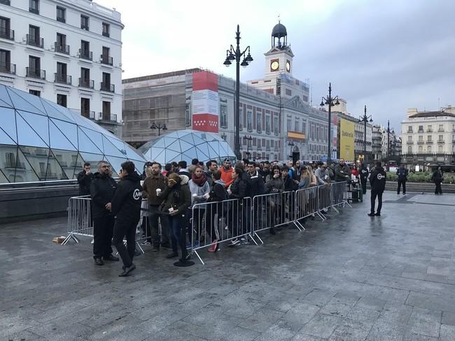 Cola Iphone X Madrid