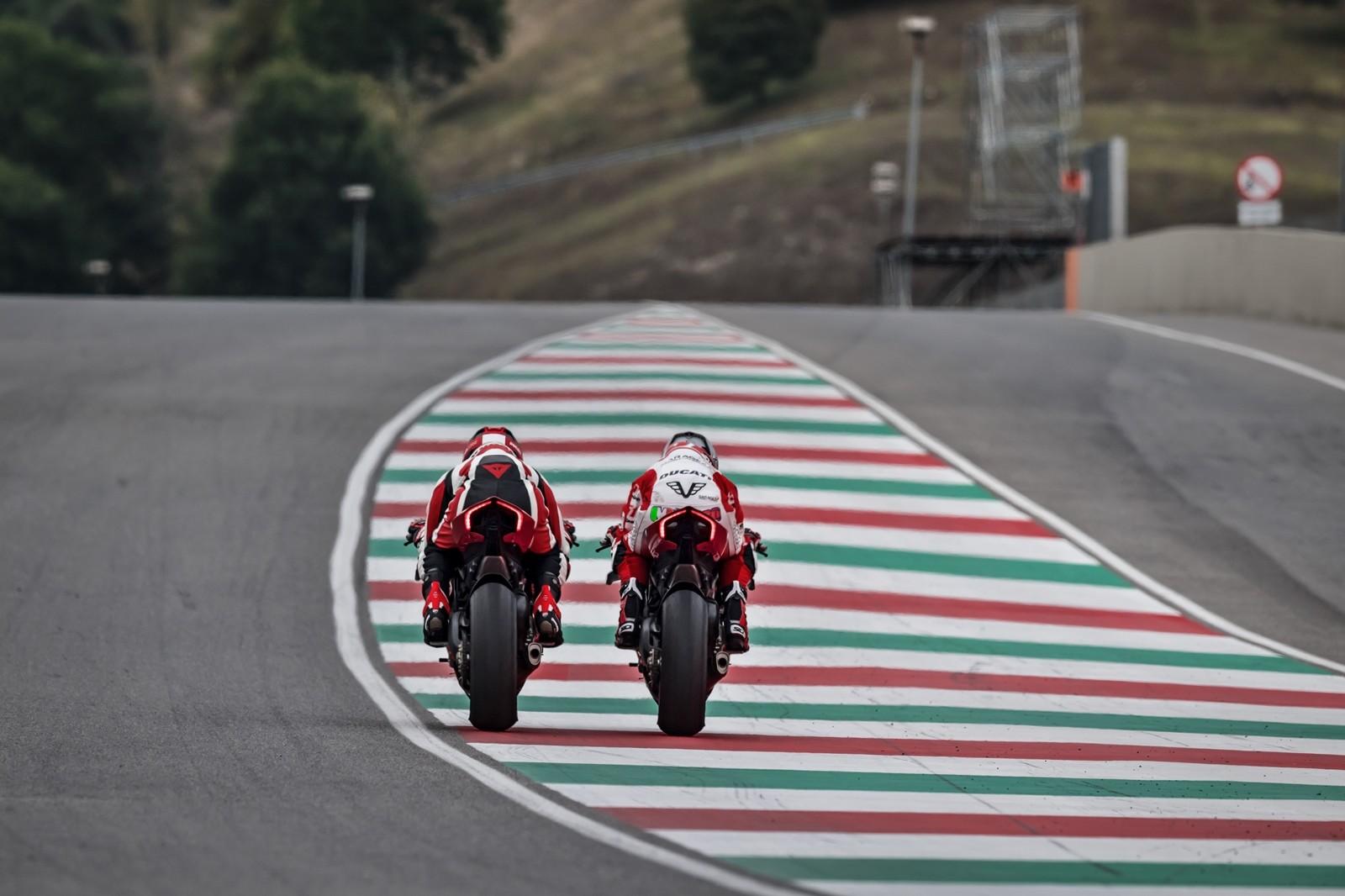 Foto de Ducati Panigale V4 R 2019 (24/87)