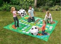 Parchís gigante para jugar al aire libre