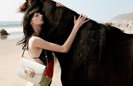 La campaña de Guccci 2020 en la que los caballos son los (inquietantes) protagonistas, pero solo tenemos ojos para sus bolsos