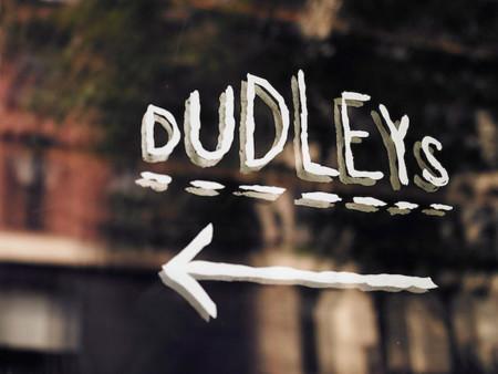 dudleys nyc detalle escaparate