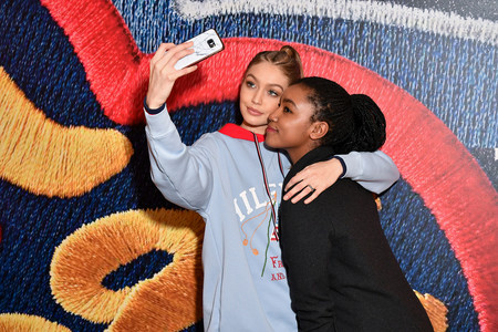 Gigi Hadid Taking Selfies With Fan At The Tommyxgigi Event In Paris