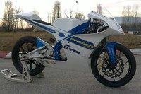 Sherco se atreve con el asfalto y probará en Moto3