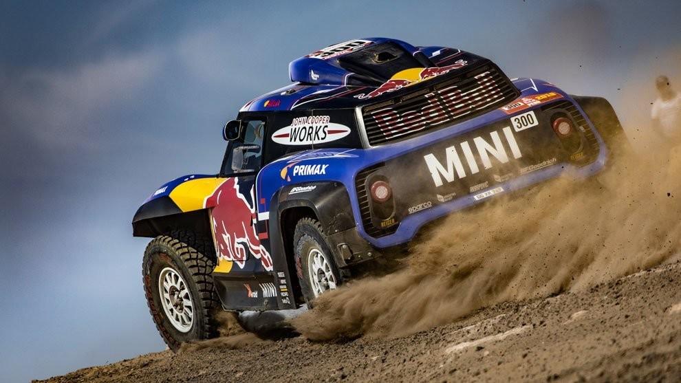 Carlos Sainz comienza a preparar el Dakar 2020, en el que correrá con un Mini mejorado