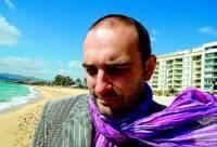 Joan Miquel Oliver publica su primera novela