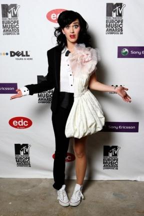 Los modelitos de Katy Perry en los premios MTV