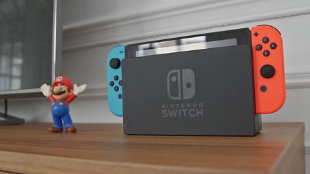 La Nintendo Switch baja de precio en España cuatro años después de su lanzamiento y a un mes de que llegue la Switch (OLED)