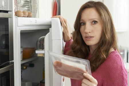 Ansiedad y comida en época de cuarentena: cómo gestionar el estrés para evitar visitar la nevera constantemente