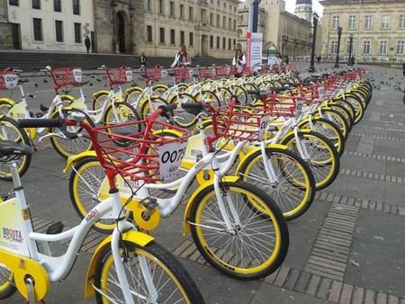 Alquila una bicicleta gratis por internet y recorre las calles de Bogotá
