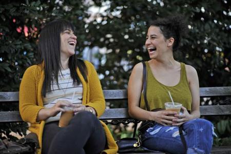 'Broad City', las peculiares aventuras de dos amigas para sobrevivir en Nueva York