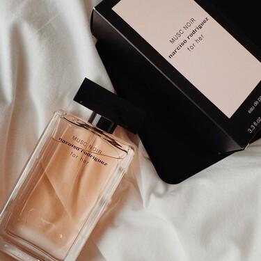 Narciso Rodríguez vuelve a sorprendernos con Musc Noir, un perfume maravilloso que ya se ha colado entre nuestros preferidos