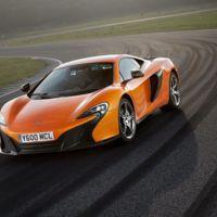El sucesor del McLaren 650S llegará en 2018 y va a por el Ferrari 488 GTB